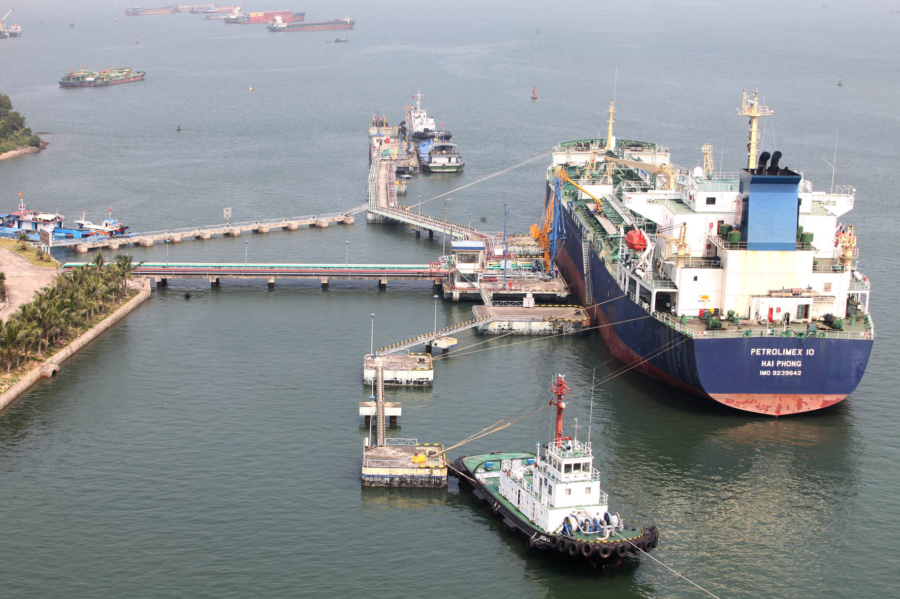 Quy định về đăng ký giấy phép nhập khẩu xăng dầu